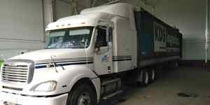 Седельный тягач Freightliner Columbia Фредлайнер
