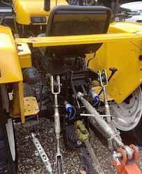 Трактор Джинма (Jinma) с фронтальным погрузчиком