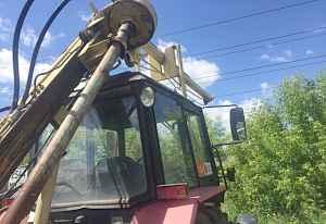 Трактор бурильный