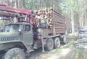 Урал 4320 лесовоз с гидроманипулятором