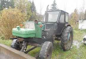 Трактор юмз на ходу