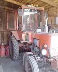 трактор Т-25 и прицеп к нему