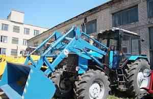 Погрузчик фронтальный на тракторе Беларус 1221