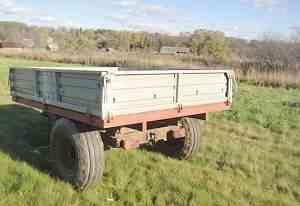 тракторную телегу