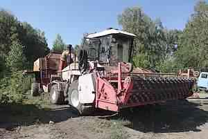 Комбайн зерноуборочный кзр-10