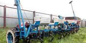 Сеялка широкорядная (подсолнечник, кукуруза) упс8