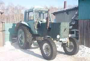 трактор мтз 80, плуг, лопата