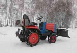 Трактор малогабаритный квз012