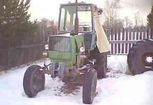 трактор на хорошем ходу
