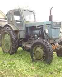 Трактор Т40ам с прицепом 2птс4