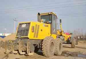 Автогрейдер GR 165