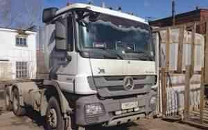 седельный грузовой тягач Мерседес-Актрос