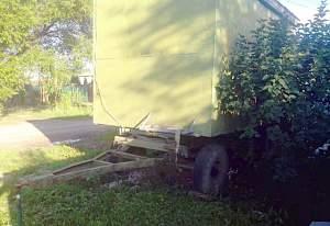 Домик на колесах на базе тракторного прицепа