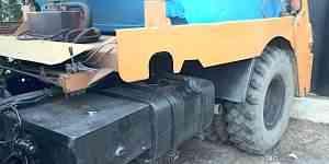 Маз контейнеровоз вместе с контейнером