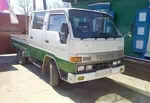 грузовик Toyota Toyoace